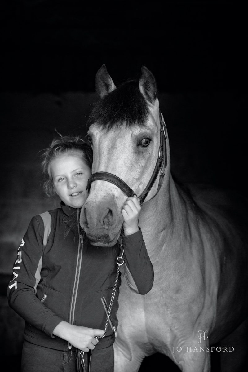 Horse photographer Oxfordshire Jo Hansford