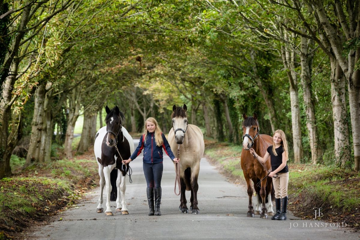 Horse photography Oxfordshire – Grace & Freya with their ponies
