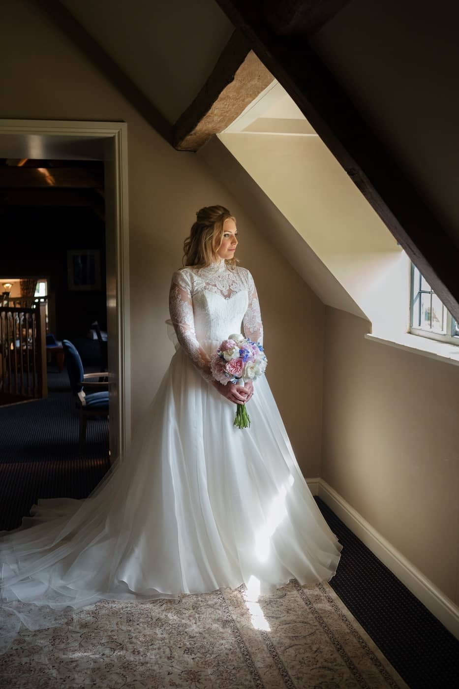Cotswolds wedding photographer Jo Hansford