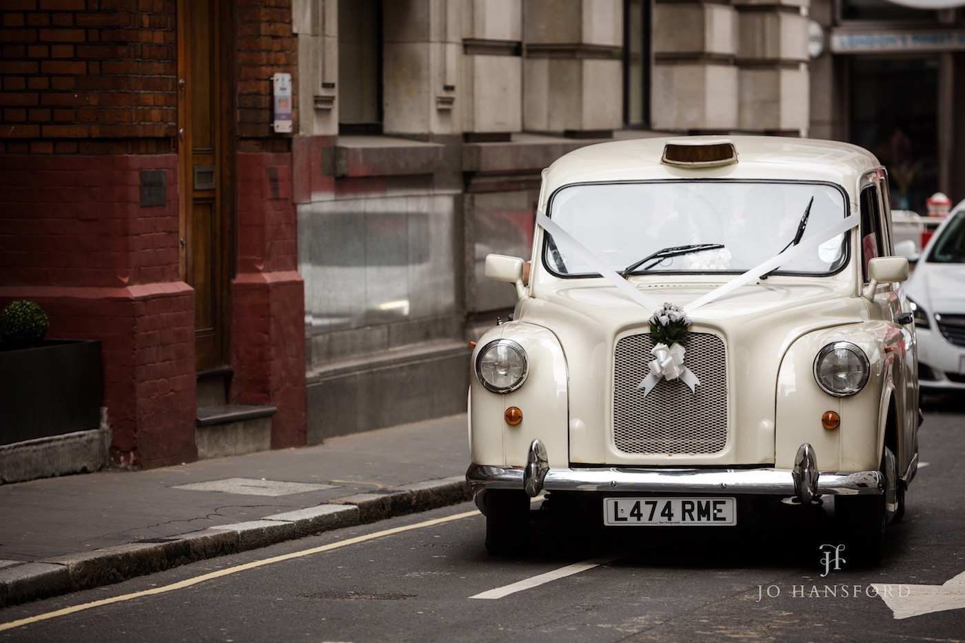 London wedding photographer Jo Hansford