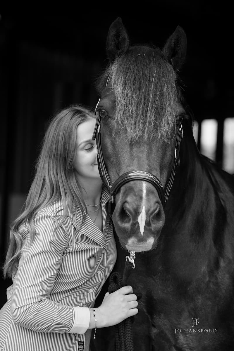 Equine photographer Cotswolds Jo Hansford